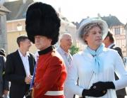 Reine d'Angleterre et body guard ©Les Décalés