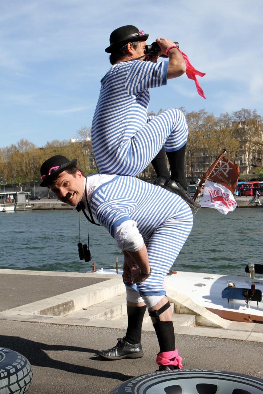 les dupondt; duo burlesque; déambulation de rue; animation bande dessinée, animation décalée
